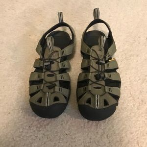 Olive Keen CNX Closes Toe Waterproof Sandals